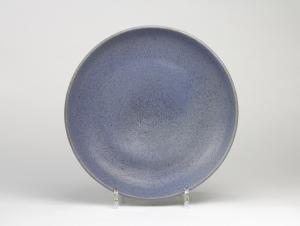 Chris Lanooy, Aardewerken schaal met mat blauw glazuur, 1913 - Chris (C.J.) Lanooy