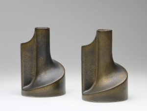 Jan van der Vaart, Pair of ceramic candle holders with bronze glaze, multiples, 1981 - Jan van der Vaart
