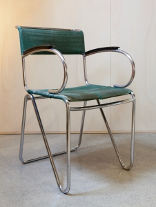 Willem Hendrik Gispen, diagonal chair of steel, bakelite and canvas, ca. 1935 - Willem Hendrik (W.H.) Gispen