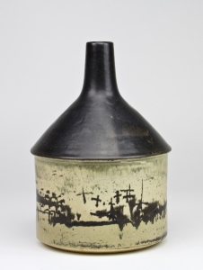 Adriek Westenenk for the Porceleyne Fles, Ceramic object with abstract decoration - Adriek Westenenk