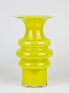 Jan van der Vaart, Unique tall yellow vase, Glass Factory Leerdam, execution by Henk Verwey, 1994 - Jan van der Vaart