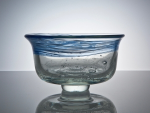 A.D. Copier, Unique bowl with enclosed bubbles and blue decoration, North Sea series, 1979, De Oude Horn - Andries Dirk (A.D.) Copier