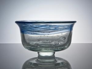 A.D. Copier, Unique bowl with enclosed bubbles and blue decoration, North Sea series, 1979, De Oude Horn - Andries Dirk (A.D.) Copier