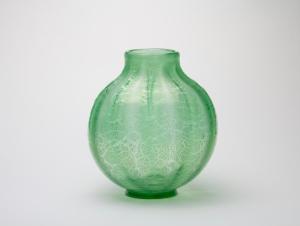 A.D. Copier, Leerdam Unica, Geribde groene vaas met tincraquelé, 1929-1930 - Andries Dirk (A.D.) Copier