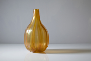 A.D. Copier, Unique ochre vase with lustre, Glass Factory Leerdam, ca. 1924 - Andries Dirk (A.D.) Copier