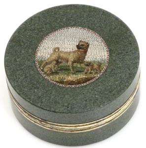 A small hardstone box set with a micromosaic by Giacomo Raffaelli