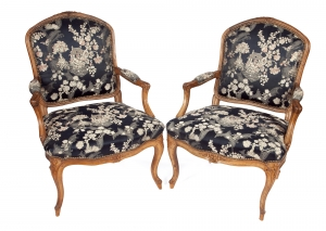 Pair of French Louis Quinze fauteuils with chinoiserie upholstery