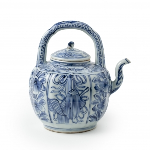 A Ming Blue and white porcelain Wine Ewer