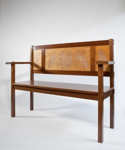 Theo van Hoytema, Everwijn Verschuyl, bench with decoration of cockatoos, mahogany and maple, manufactured by A.T. van Wijngaarden & Co., ca. 1900 - Theo van Hoytema