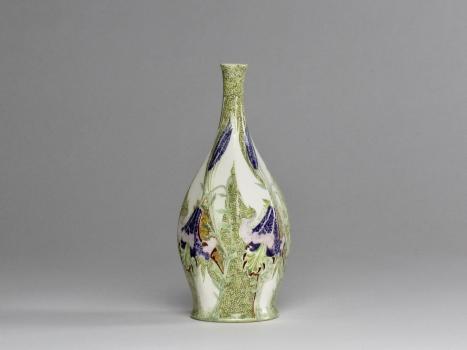 N.V. Haagsche Plateelbakkerij Rozenburg, vase with lilies, eggshell porcelain, design by J.W. van Rossum, 1902 - N.V. Haagsche Plateelbakkerij Rozenburg