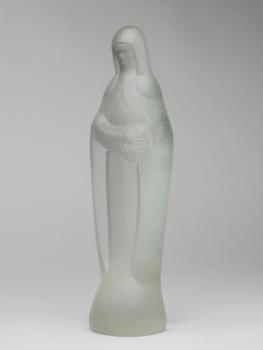 Steph Uiterwaal, Persglazen sculptuur van de heilige Theresia, ontworpen in 1932, uitgevoerd door Glasfabriek Leerdam - Steph Uiterwaal