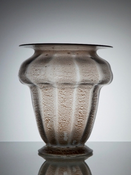 Chris Lebeau, Ribbed vase with tin crackle, Moser und Söhne Glass Factory, 1927 - Chris (J.J.C.) Lebeau