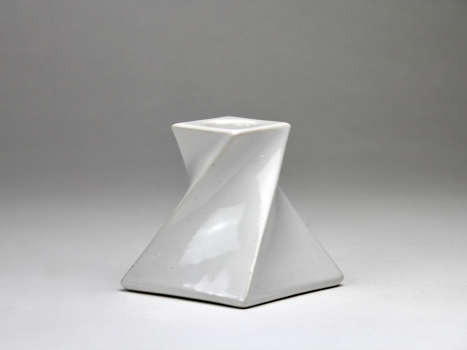 Jan van der Vaart, White ceramic candle holder, 1976 - Jan van der Vaart