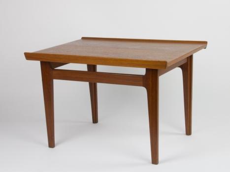 Finn Juhl voor Ahuja & Co., Teakhouten bijzettafel, model 535, 1960 - Finn Juhl