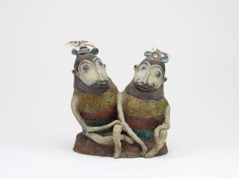 Etie van Rees, Keramische sculptuur van twee zittende fantasiedieren, ca. 1968 - Etie (Ecoline Adrienne) van Rees
