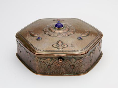 Frans Zwollo, Copper jewelry box with lapis lazuli, 1906-1907 - Frans Zwollo (sr)
