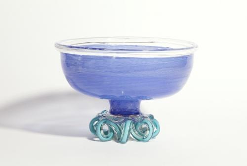 Andries Dirk Copier, Unieke blauw glazen tazza, uitgevoerd door Lino Tagliapietra, 1981 - Andries Dirk (A.D.) Copier