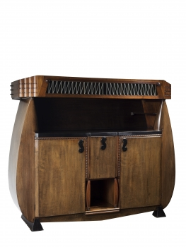 Michel de Klerk, Meubelfabriek 't Woonhuys, Large Amsterdam School buffet, design 1916 - Michel de Klerk
