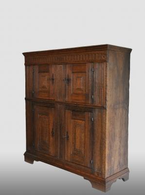 Kleuin Duits/Nederlands kastje, vervaardigd omstreeks 1700.