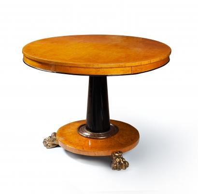 Ahorn houten tafel met klauwpoten