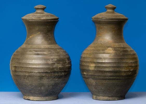 Very rare grey pottery wine jars