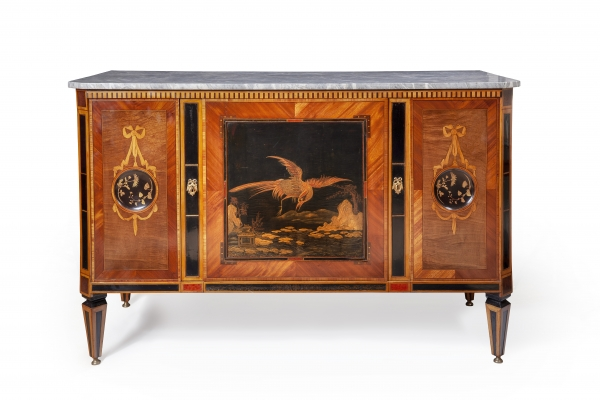 Louis Seize commode with Japanese Lacquer panels and marble top