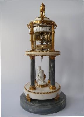 An attractive Temple de L'Amour, Pendule à Cercles Tournants,  France 1780.