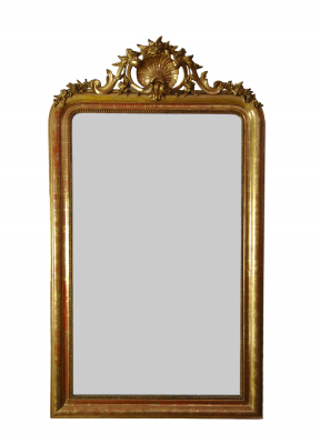 Franse spiegel met kuif, met bladgoud verguld en de oorspronkelijke spiegel.