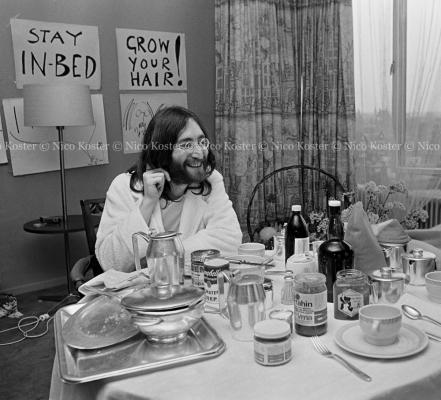 John Lennon & Yoko Ono - PEACE - Room 902 Hilton #32