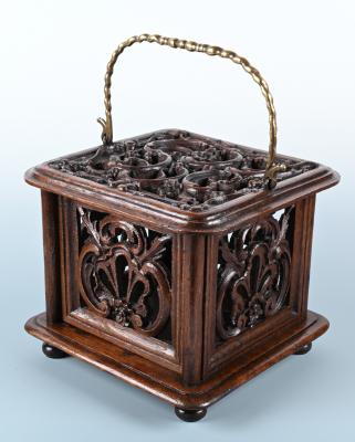 Fraai gestoken 18de eeuwse Hollandse eikenhouten voetstoof