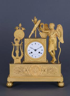 A French ormolu bronze mantel clock Le Paute à Paris