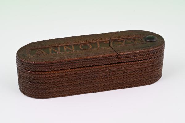 Dutch razor box