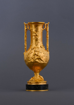 A beautiful French 19th century fire-gilt and marble vase signed F. Barbedienne - Ferdinand Barbedienne