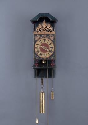 Een zeer zeldzame Twentse Stoelklok, 1737