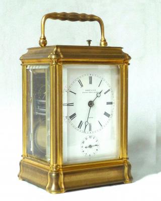Vergulde gorge case reisklok met wekker en slagwerk, Le Roy et Fils, Paris 1870.