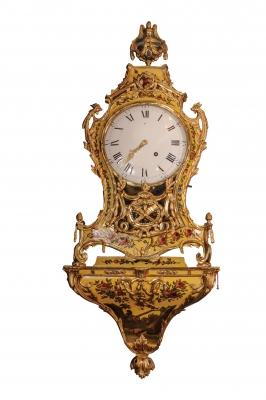 Een Zwitserse Lodewijk XVI 'vernis Martin' consoleklok met speelwerk, gedateerd 1784