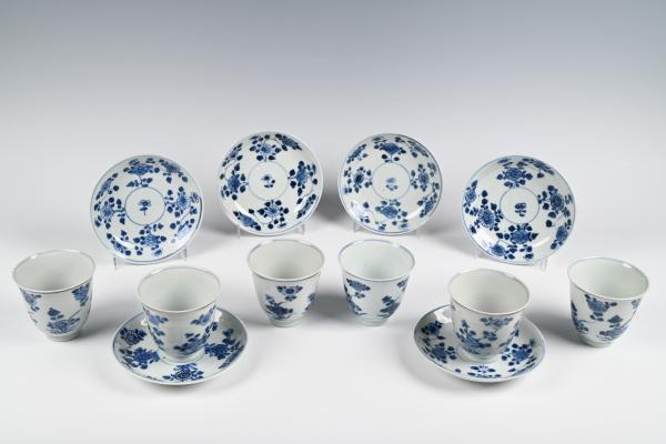 Een set van zes chinees porseleinen kop en schoteltjes