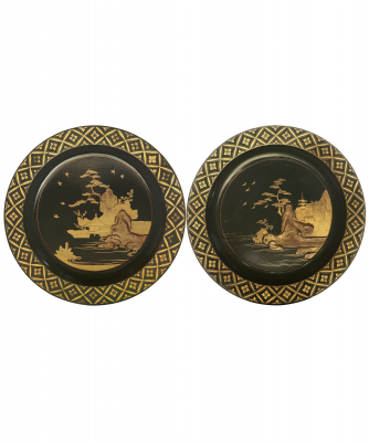 A Pair Japanese Export Black Lacquered Wood Plates - Edo period