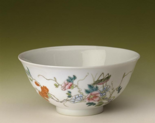 Two famille rose bowls with locust decoration