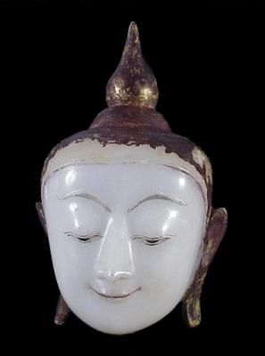 Albast Boeddha hoofd  Birma Boeddhistische kunst