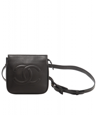 Chanel 'Fanny Pack' in Black Leather  - Chanel
