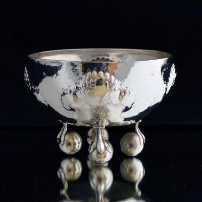 Gehamerde zilveren coupe, Wiener Werkstätte