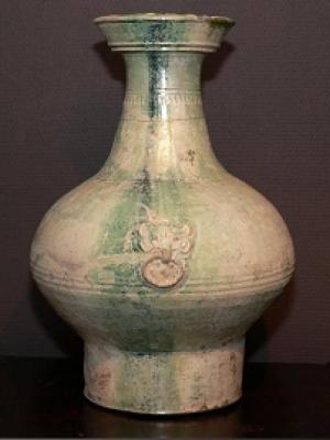 A large glazed pottery 'Hu' jar