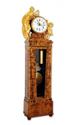 Zeldzame precisie staande regulateur, tijdsequatie,  Godin van de Geometrie, gesigneerd Langerhans à Crefeld, c. 1790.