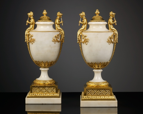 Paar Franse Louis XVI Siervazen