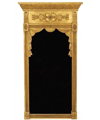 Een Empire Vergulde Spiegel