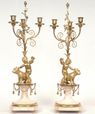 Een Paar Louis XVI Kandelaars
