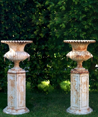 A Pair Garden Cast Iron Vases