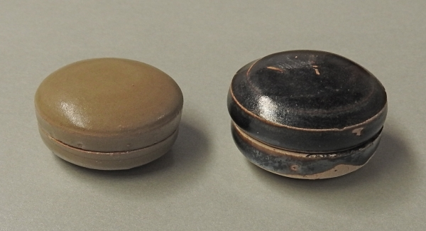 Two rare Chinese stoneware miniature covered boxes.