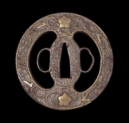 A Japanese iron tsuba with an inlaid floral pattern, Edo period swordfurniture art